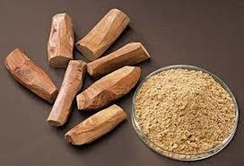 Raw sandalwood and the powder