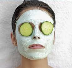 A clay face mask is the best and most natural clarifyng mask. pic vis chiclooking.com