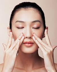 Moisturising with oil on your face can have fantastic benefits