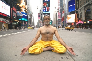 Meditating in NYC - pic via www.wellandgoodnyc.com
