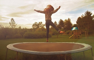 bounce on trampoline - pic via herweightlossdiary.blogspot.com
