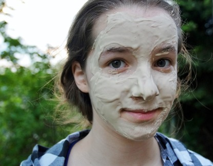 Anyone can give themselves a face mask!