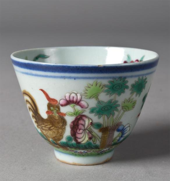 A cute little Chinese tea cup to make your perfumes in! pic via - icollector.com